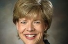 Tammy_Baldwin,_official_photo_portrait,_color